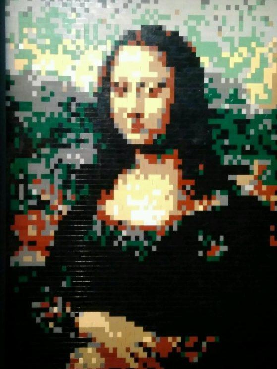 Портрет Мона Лизы (Джоконда) из конструктора Лего